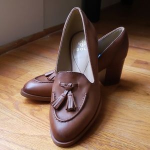Isola Natural Leather Pumps